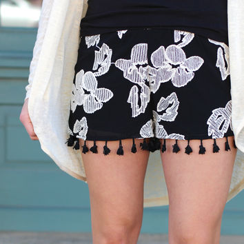 It Comes Naturally Shorts {Black+Cream}