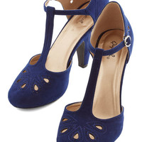 ModCloth Vintage Inspired, 20s, 30s, Scholastic Dynamic Debut Heel in Navy